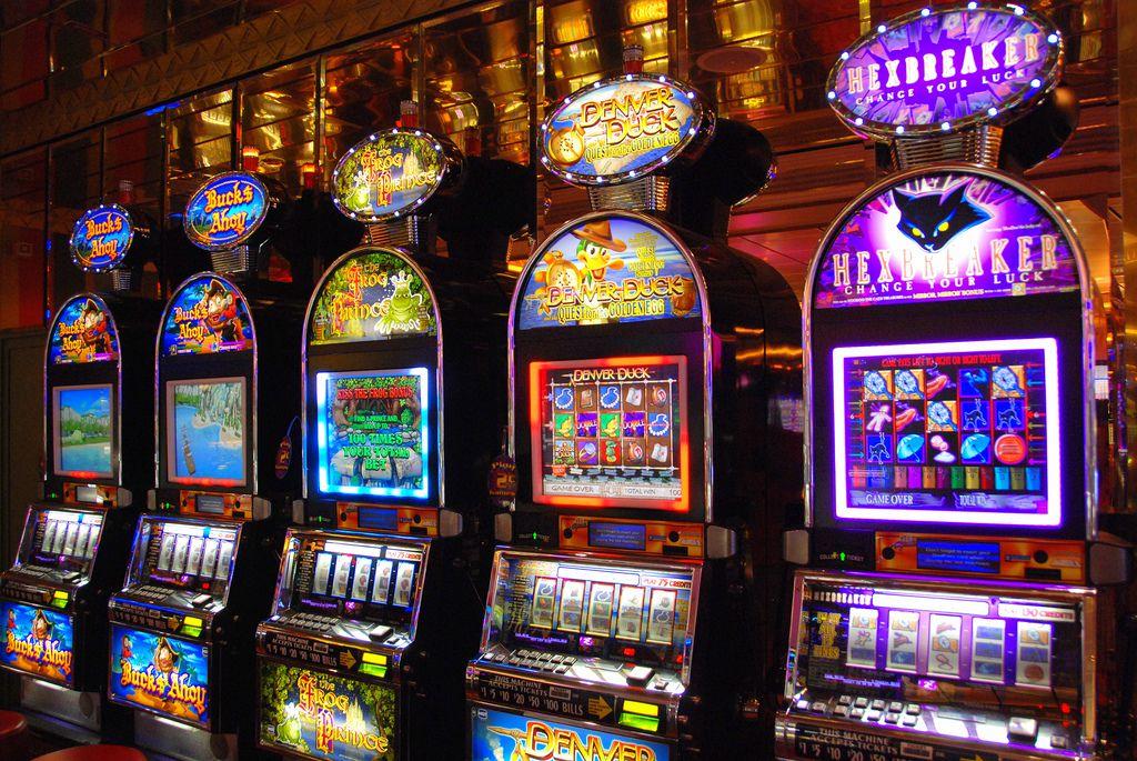 Ils piratent les machines à sous des casinos du monde entier avec un smartphone